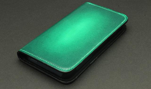 グリーン:Vert emeraude ヴェール・エムロードゥ(エメラルドの緑)
